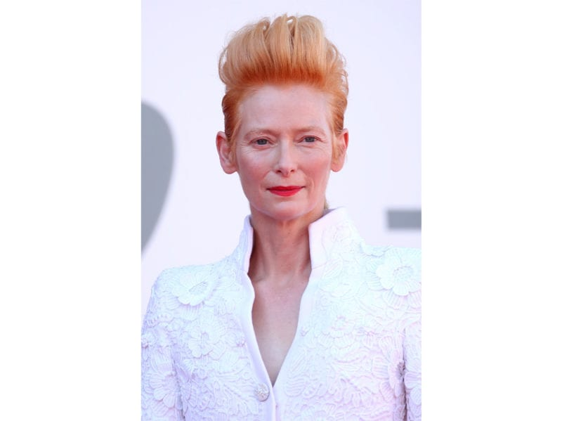 festival-cinema-venezia-2020-beauty-look-tilda-swinton-01