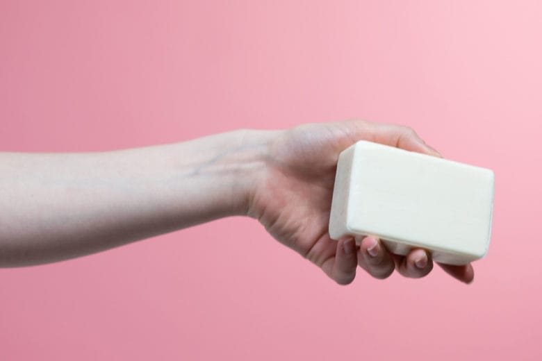 Shampoo e detergente solido: i migliori per una beauty routine smart & cool
