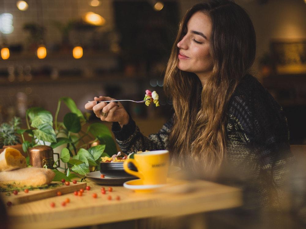 09-mangiare-tavola