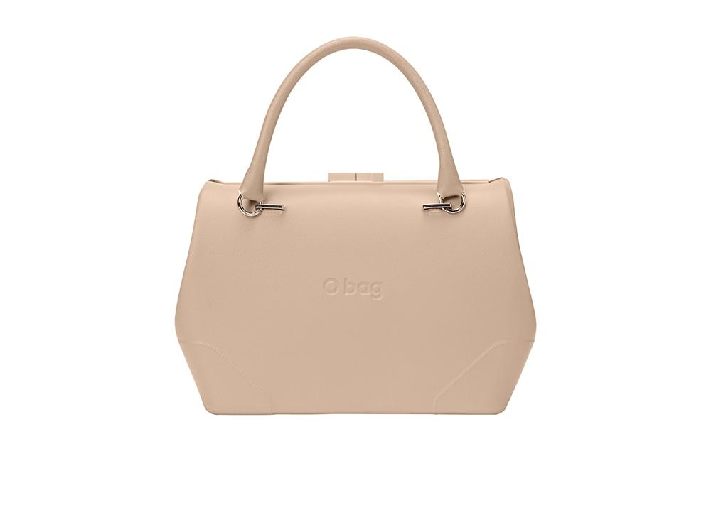 Nuova-borsa-a-bauletto-con-chiusura-rigida-e-accessori-in-ecopelle-stampa-saffiano-di-O-bag-110€