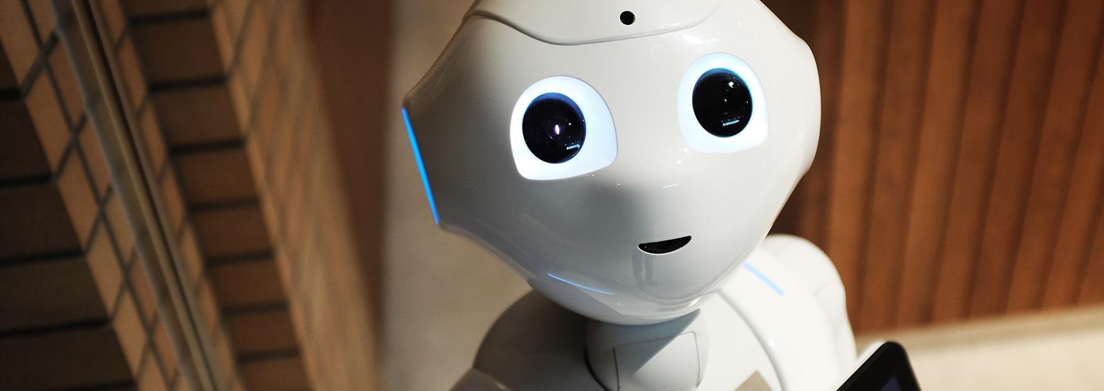 alex-knight-robot-unsplash