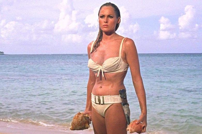 Volete comprare il bikini da Bond Girl di Ursula Andress? Ora si può