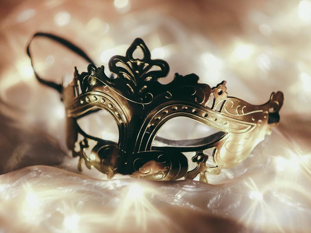 10-maschera