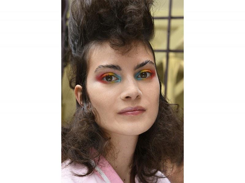 Ci sono tutti gli anni '80 in questi mullet hair con doppia cotonatura sul ciuffo e sulle lunghezze.