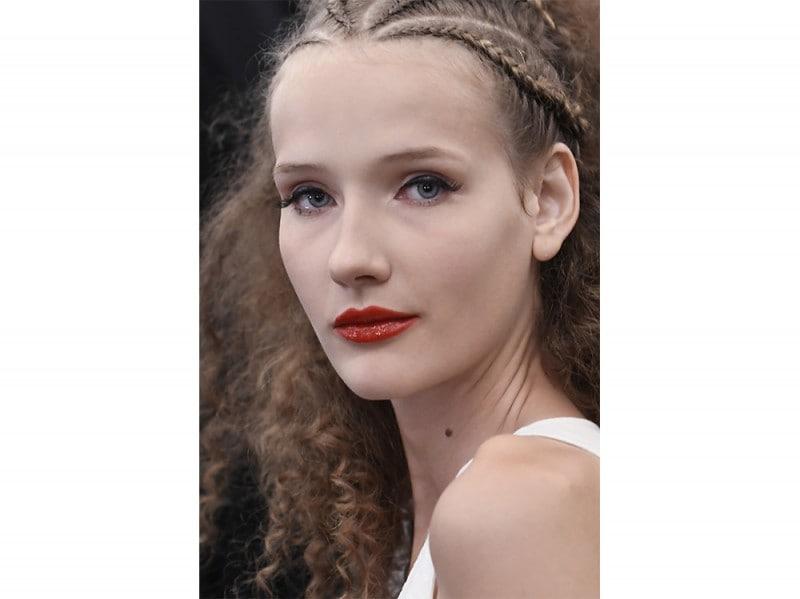 Eyeliner-tendenza-trucco-primavera-estate-2017-8-800×599