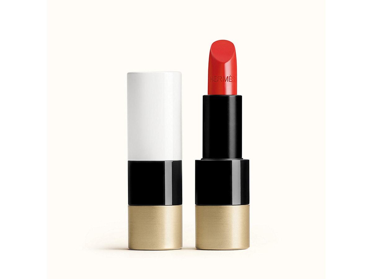 Segni-zodiacali-make-up-labbra-ariete-rosso-fuoco