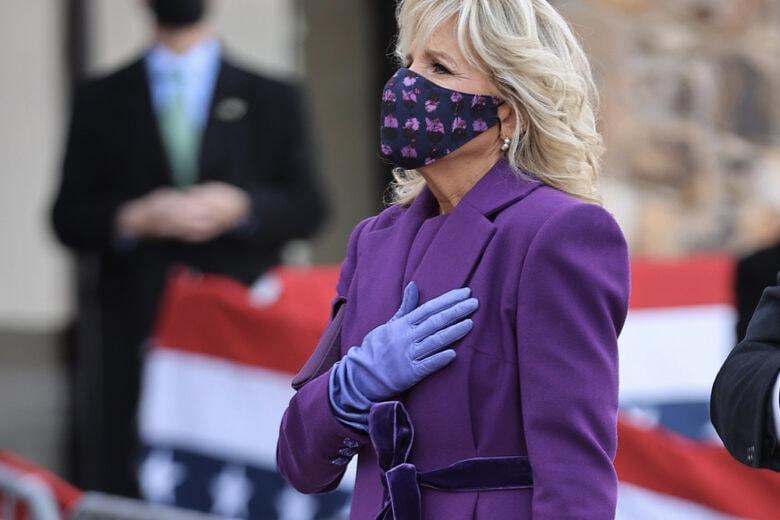 Jill Biden: debutto da First Lady… in viola!