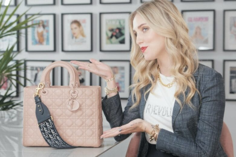 """""""In my Lady…"""": cosa si nasconde nella Lady Dior di Chiara Ferragni?"""