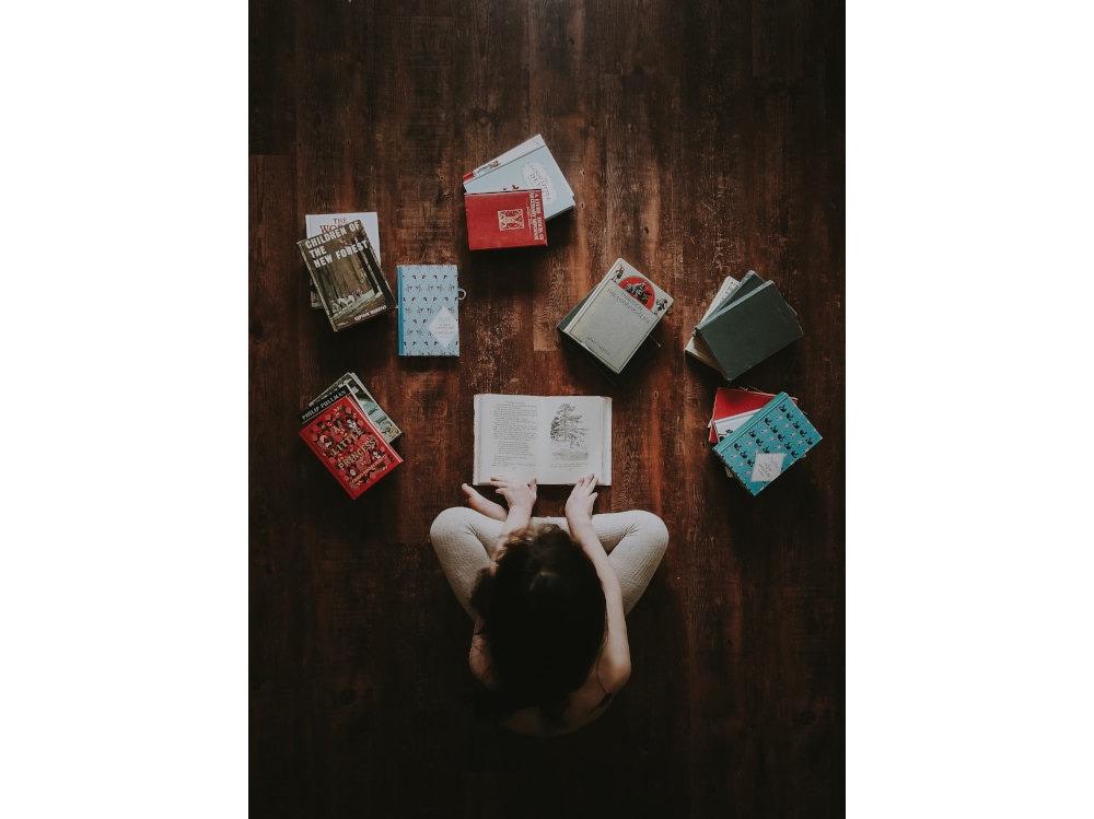 05-libri-pavimento