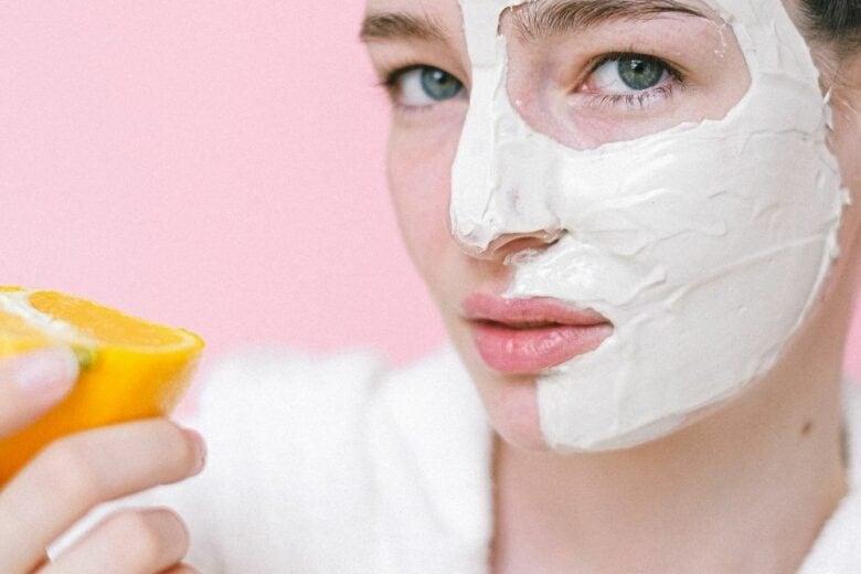 Vitamina C: cos'è, come funziona e perché non può mancare nella vostra routine skincare