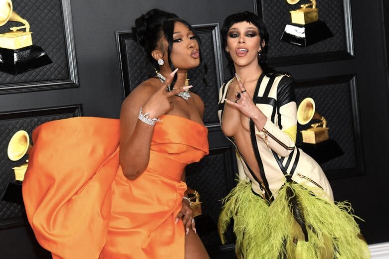 Grammy Awards 2021: tutti gli abiti delle star