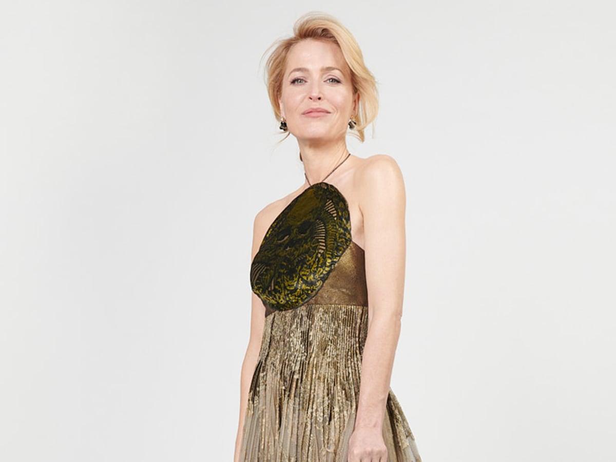 golden-globes-2021-beauty-look-star-13