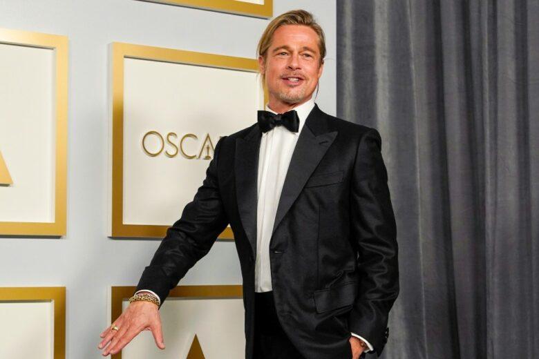 Se tornerà di moda il codino da uomo, sarà colpa di Brad Pitt