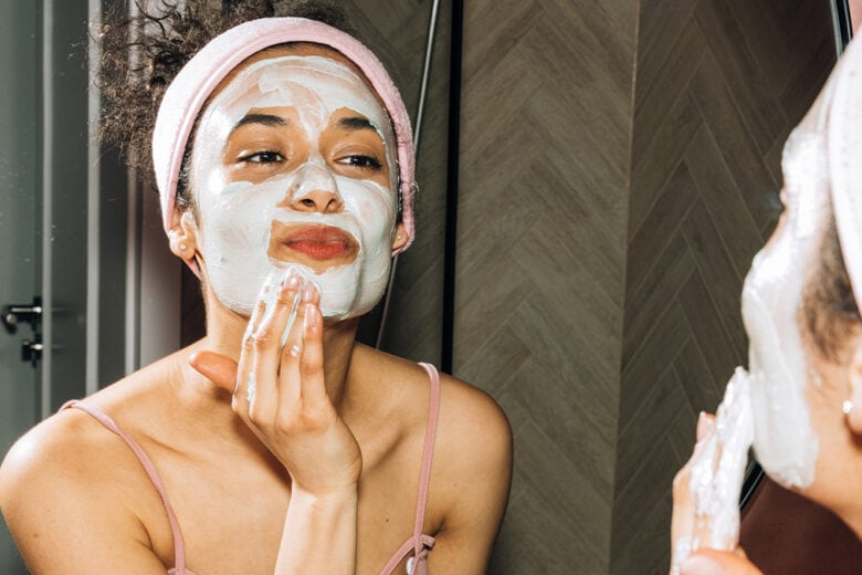 Esfoliante: istruzioni per l'uso. Tutto quello che devi sapere per rigenerare pelle (e non solo) in vista della bella stagione