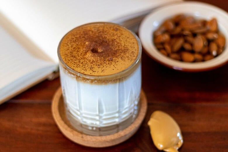 """Whipped Coffee, cos'è il """"cappuccino al contrario"""" di cui parlano tutti"""