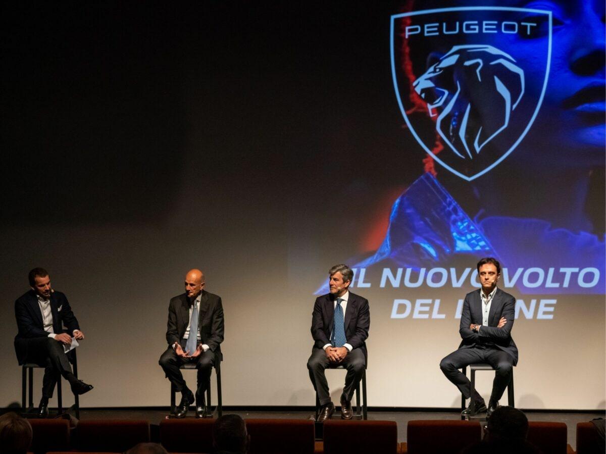 Peugeot panel