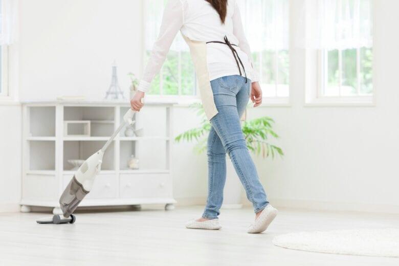 """4 trucchi per avere una casa pulita e in ordine """"a prova di visita della suocera"""""""