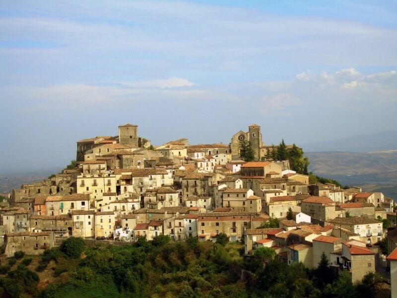 Altomonte Grazia ama italia