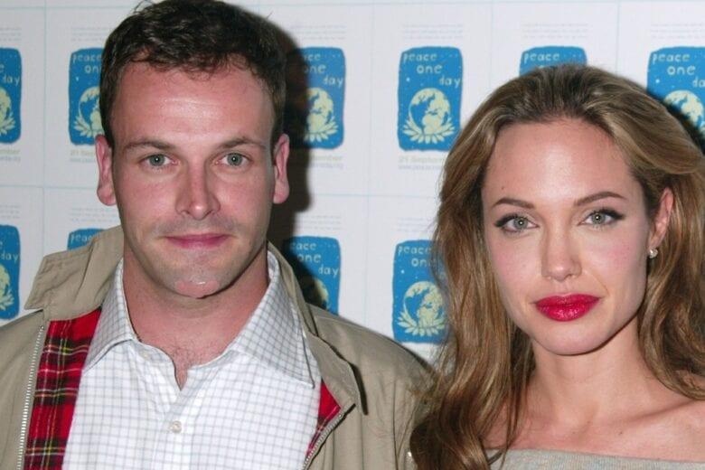 Angelina Jolie avvistata con l'ex marito Jonny Lee Miller: ritorno di fiamma anche per loro?