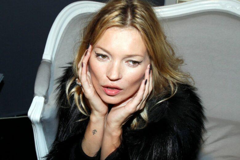 Vi fareste tatuare da Kate Moss al festival di Glastonbury? (Potrebbe succedere)