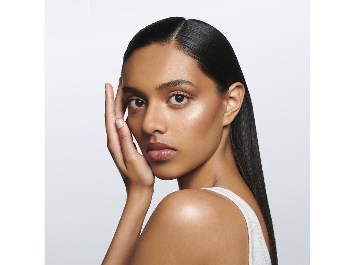 trend-trucco-estate-2021-mac-cosmetics-avant-garde-056jpg