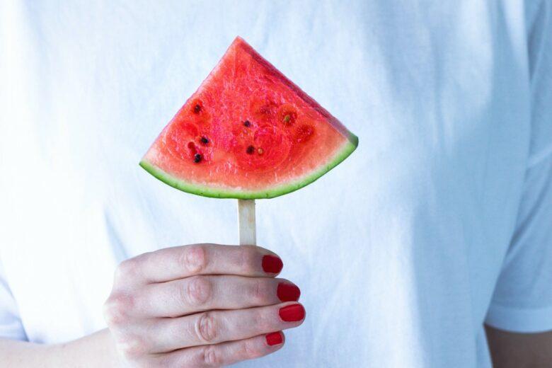4 errori che fate d'estate pensando di dimagrire (e invece sono controproducenti)