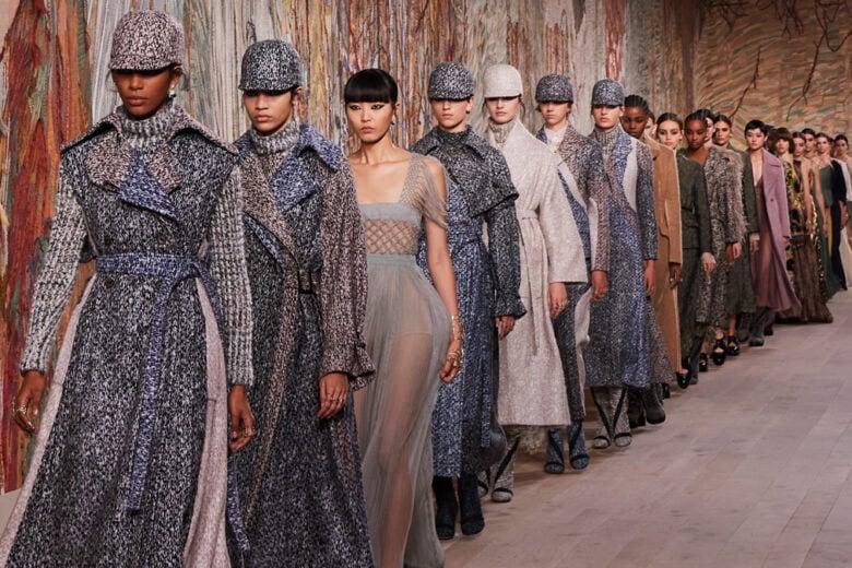 Dior: la collezione Haute Couture Autunno-Inverno 2021, trionfo di ricami e tessuti sontuosi
