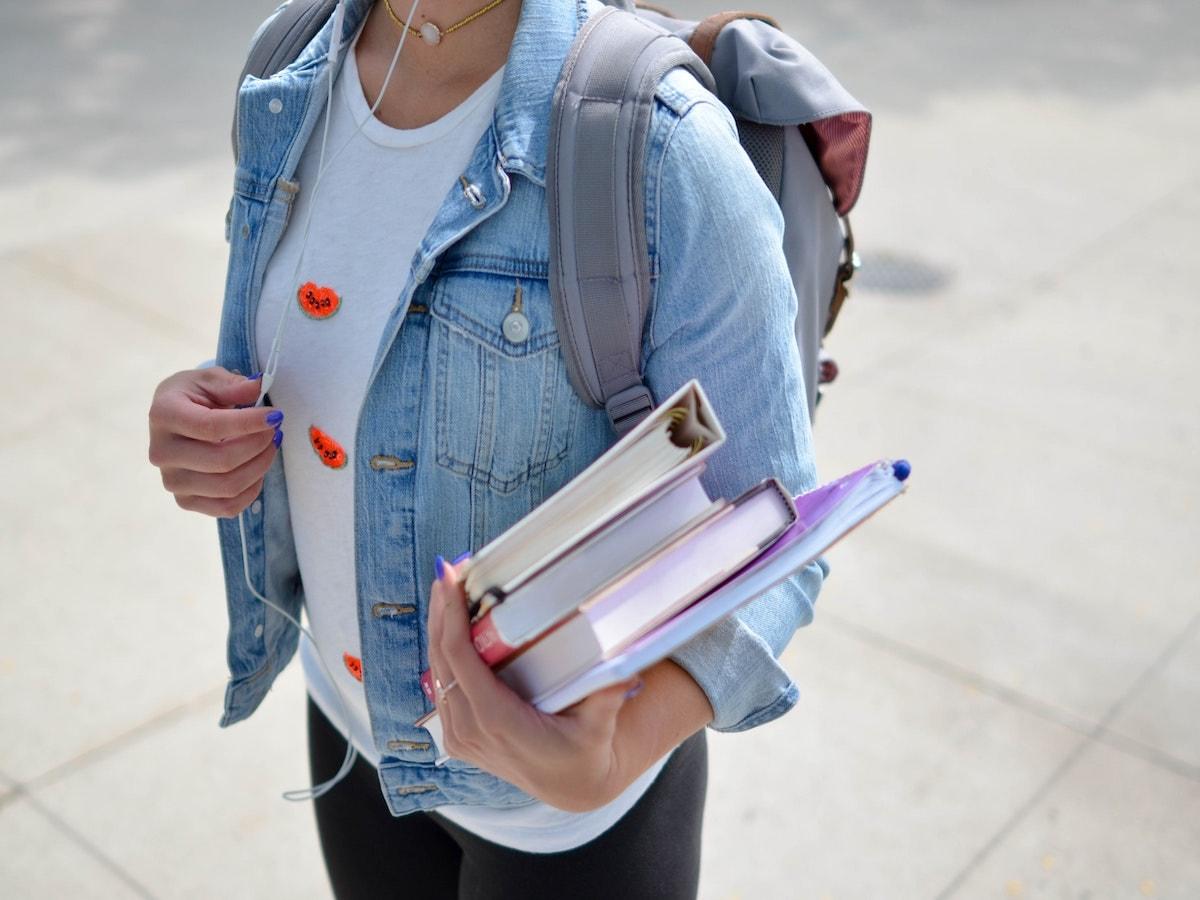 scuola studente studentessa