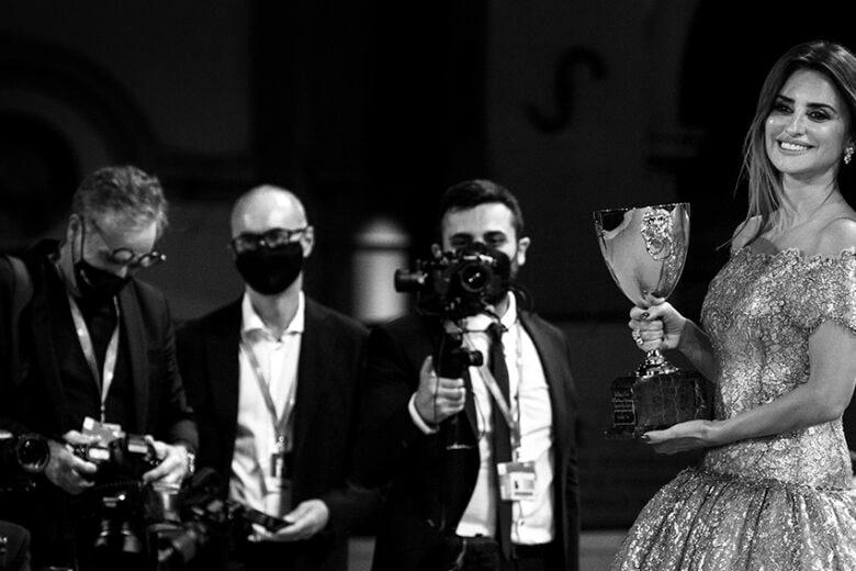 Mostra del Cinema di Venezia 2021: tutti gli abiti delle star al Lido