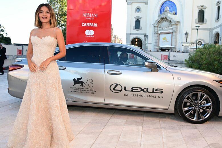 Alla 78esima Mostra del Cinema di Venezia con Lexus, auto ufficiale della kermesse