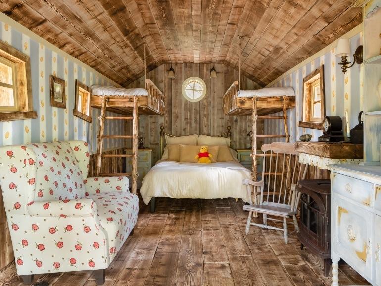 Winnie the Pooh Bedroom Airbnb – CREDIT Henry Woide
