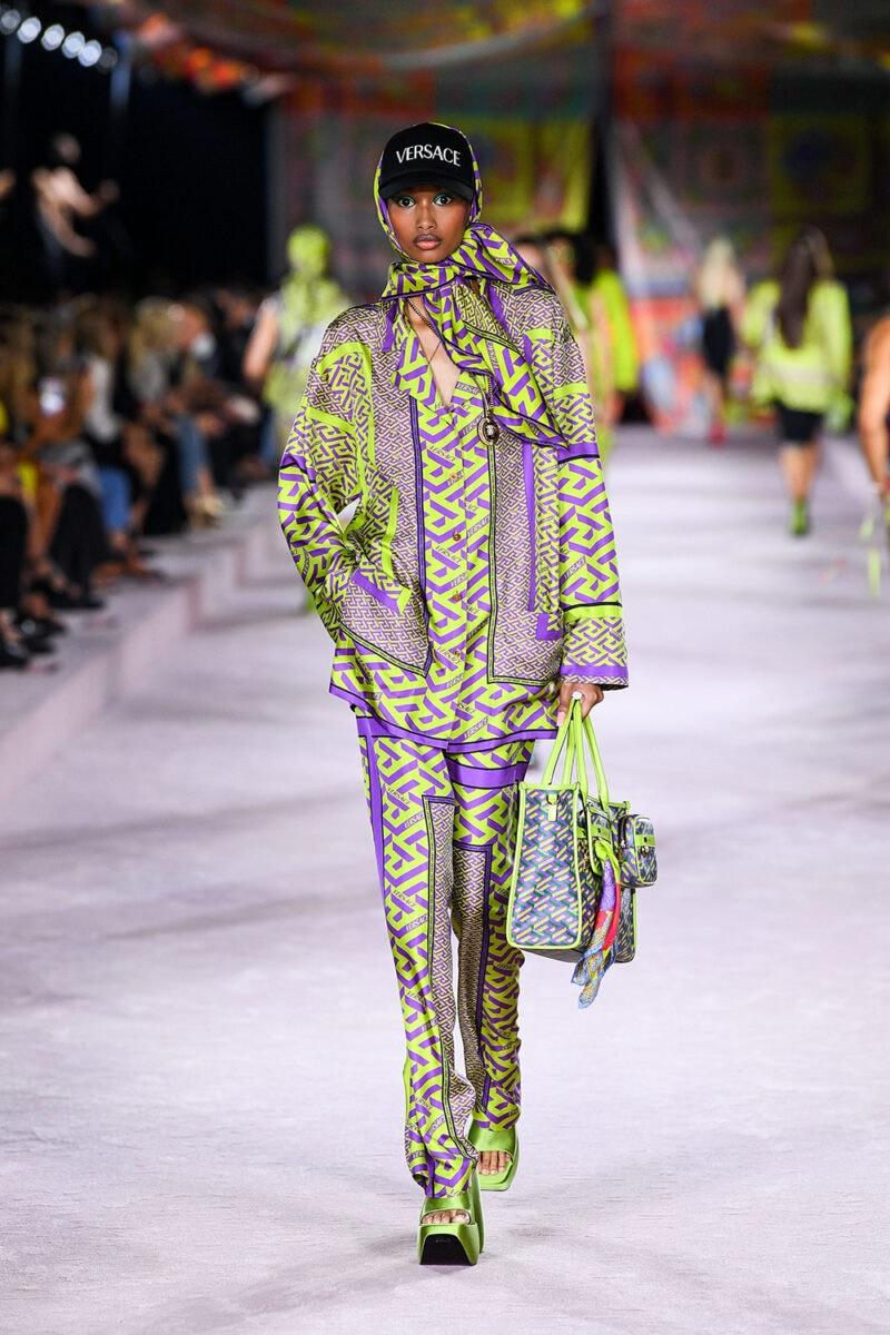 Versace_SS22_Fashion-Show-(61)