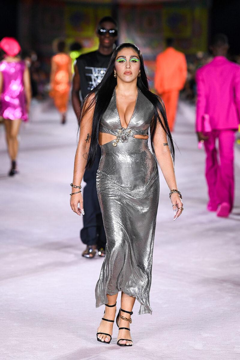Versace_SS22_Fashion-Show-(69)